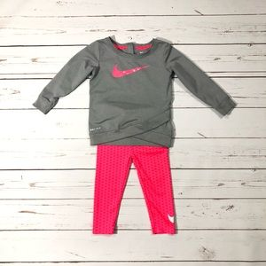 Nike Girls Set of Long Sleeve T shirt and leggings